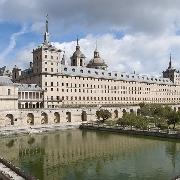 埃斯科里亞爾修道院+烈士谷半日遊(馬德里往返)