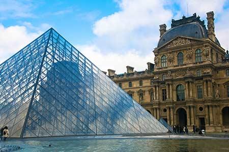 巴黎:盧浮宮—香榭麗舍大道—蒙帕納斯大廈—巴黎聖母院